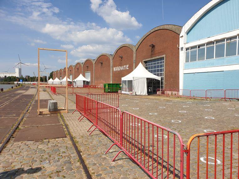 Voor grotere groepen studenten wijkt de universiteit uit naar de Waagnatie (foto) en naar twee hallen in Antwerp Expo.