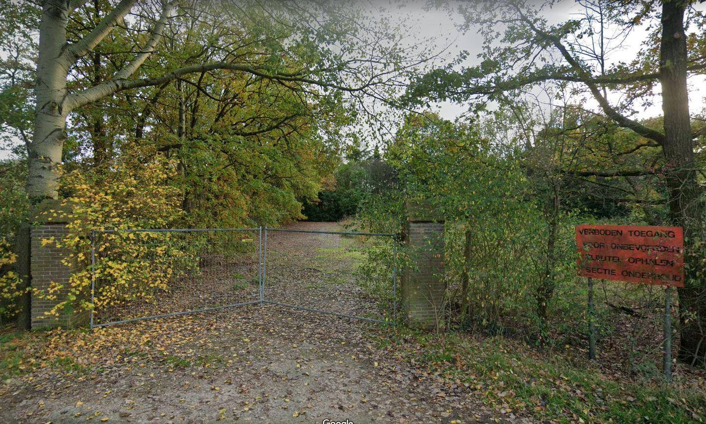 De voormalige opslagplaats van de buitendienst van de gemeente Loon op Zand wordt al jaren niet meer gebruikt.