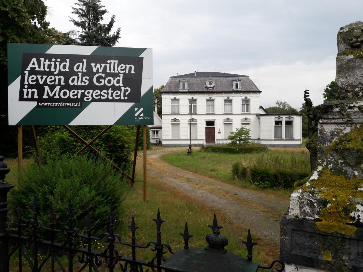 Bij de oude pastorie van Moergestel gaan volgens de laatste plannen ook twee urban villa's van vijftien appartementen verdeeld over vier lagen verrijzen.