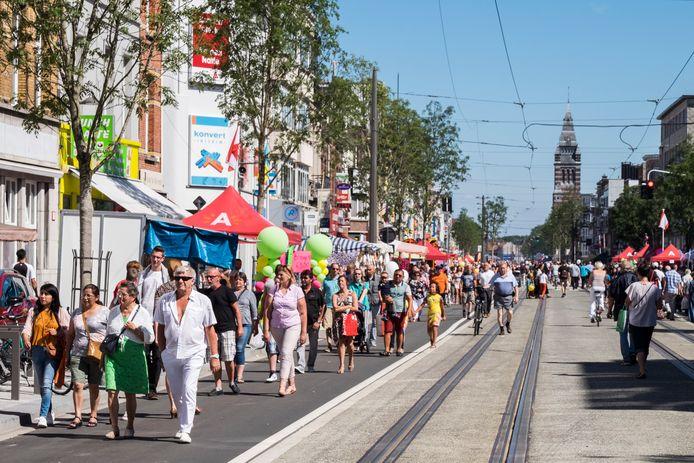 De feestelijke opening van de vernieuwde Bredabaan in Merksem (2015).
