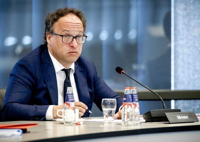 Minister Wouter Koolmees van Sociale Zaken en Werkgelegenheid tijdens het wetgevingsoverleg in de Tweede Kamer over het noodpakket banen en economie.