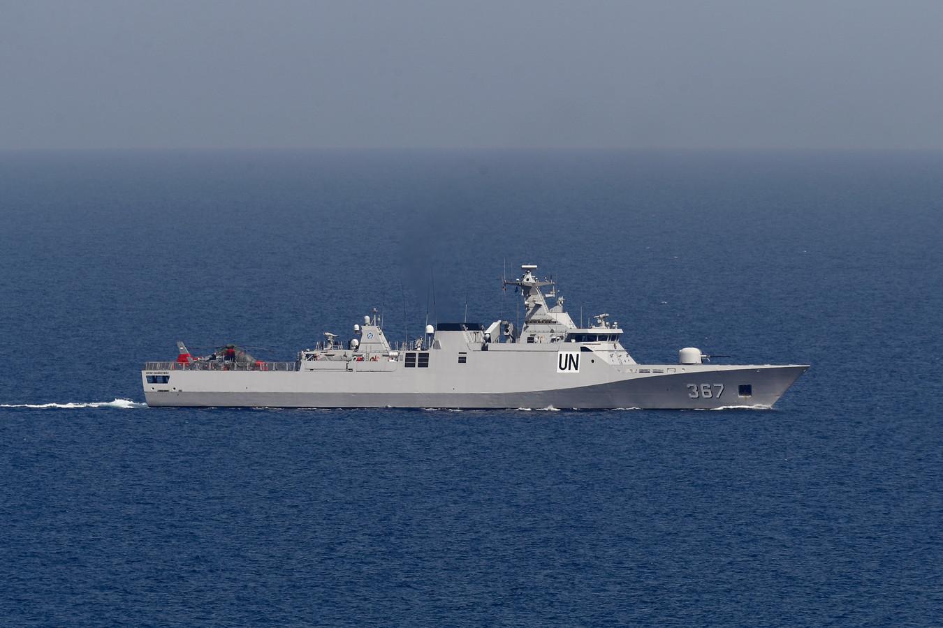 Een schip van de Verenigde Naties vaart op de Middellandse Zee terwijl Israël en Lebanon de onderhandelingen opnieuw opstarten.