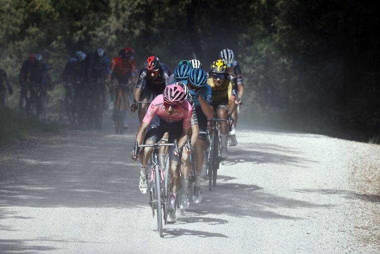 Egan Bernal in het roze Beeld Photo News
