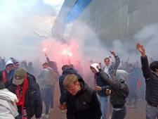 Honderden fans van Ajax aanwezig rondom Arena en in binnenstad