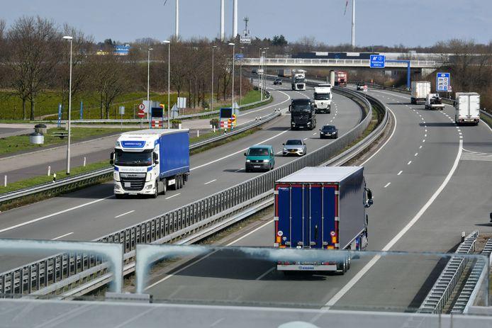 Vanaf vrijdag mogen alleen nog mensen met een 'dringende reden' de grens over naar Duitsland.