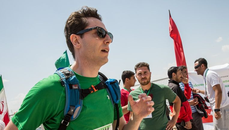 Andries Fluit loopt de marathon. Beeld Márton Kállai