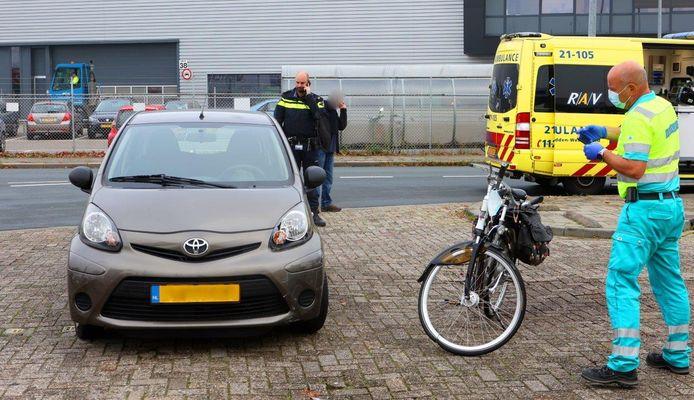Fietsster raakt ernstig gewond bij aanrijding met auto Boksheuvelstraat Den Bosch.