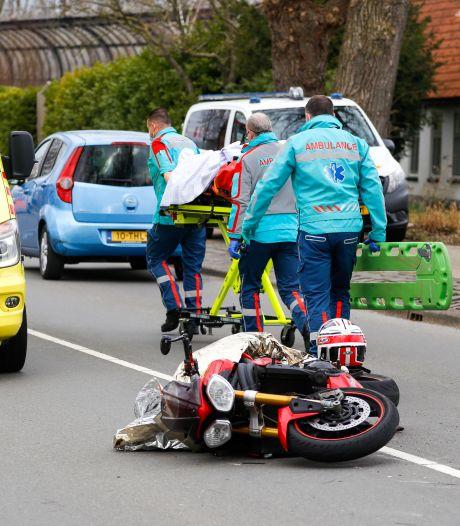 Motorrijder onderuit op Mijlweg