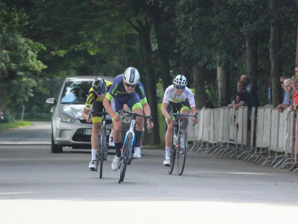Wies Nuyens was in Beernem de snelste van een kopgroep van drie.