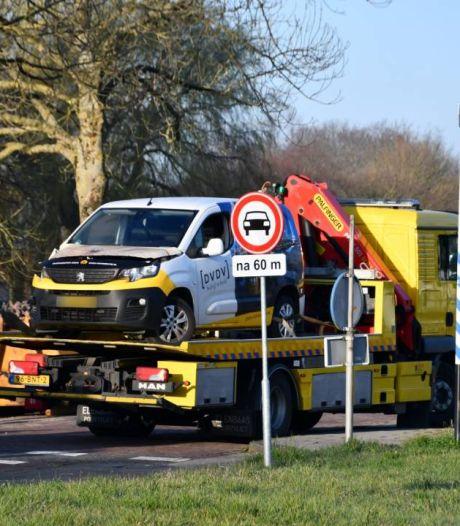 Ongeluk met bestelbusje en vrachtauto in Zierikzee