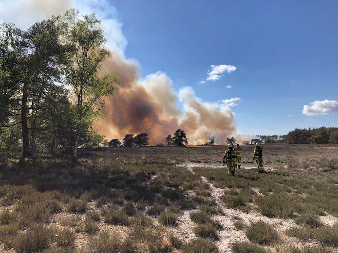Volgens de brandweer geldt momenteel een verhoogd risico op natuurbranden.