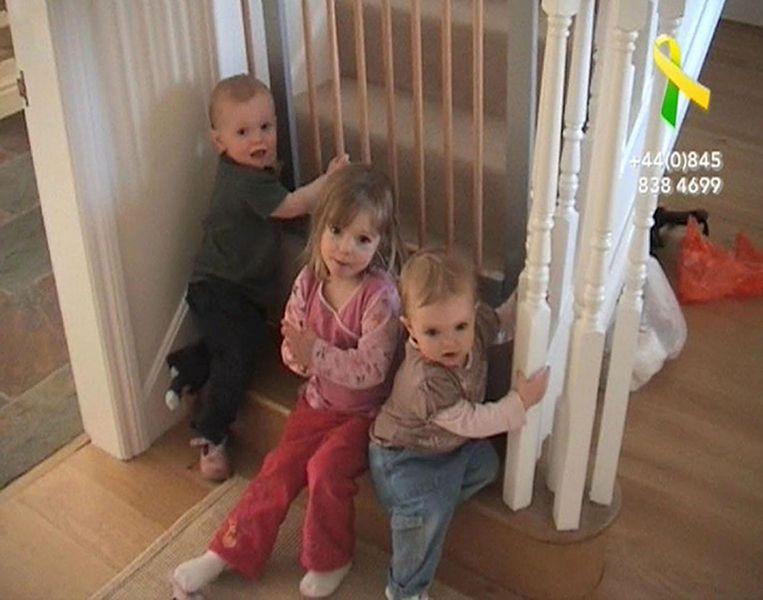 Madeleine met haar tweelingbroertjes.