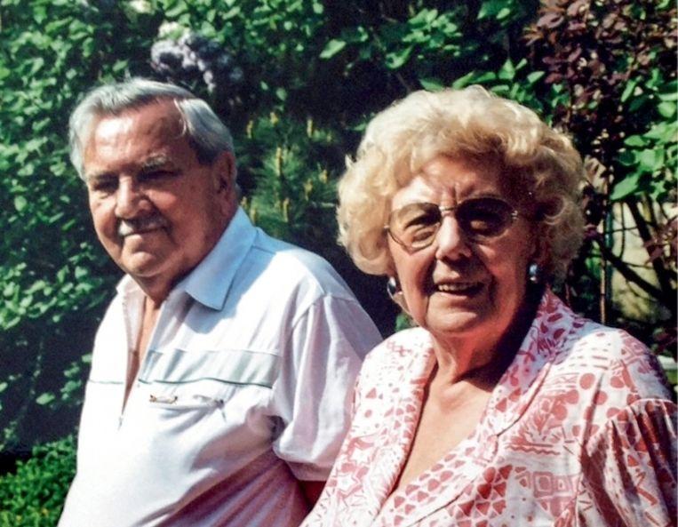 'Grootvader Albert was blij dat zijn overleden vrouw de reconstructie in 2011 niet meer hoefde mee te maken: 'Nog eens schoten horen in de Delhaize en weten dat je kinderen vermoord worden, dat zou ze niet aangekund hebben' Beeld