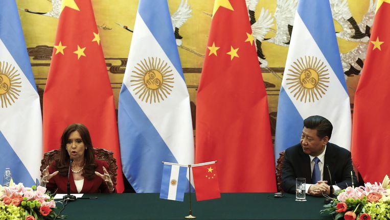 De Argenijnse presidente Cristina Fernandez de Kirchner tijdens haar ontmoeting met de Chinese president Xi Jinping. Beeld getty