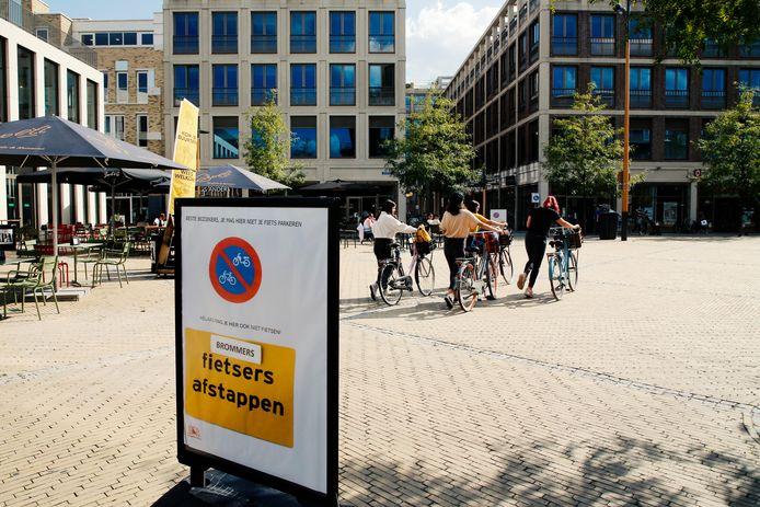 Afgelopen zomer was op het Brusselplein een fietsparkeerverbod van kracht