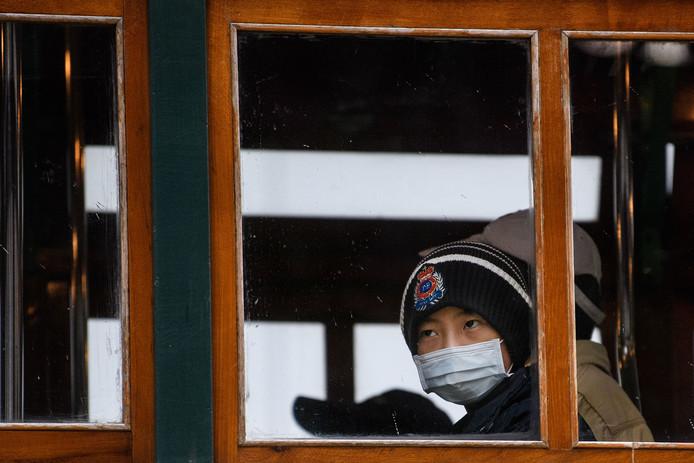De angst voor het coronavirus is zichtbaar in China, maar de UT ziet nog geen reden om vier studenten die in het land zitten terug te laten keren naar Enschede.