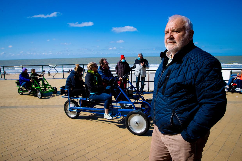 Jean-Marie Dedecker, burgemeester van Middelkerke, blijft volhouden dat de terrassen in zijn gemeente op 1 mei mogen opengaan.  Beeld Jan De Meuleneir / Photo News