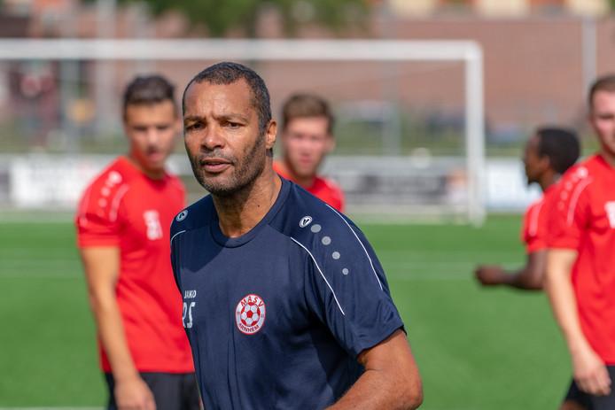 Trainer Roberto Straal is blij weer op het veld te staan, nu bij MASV.