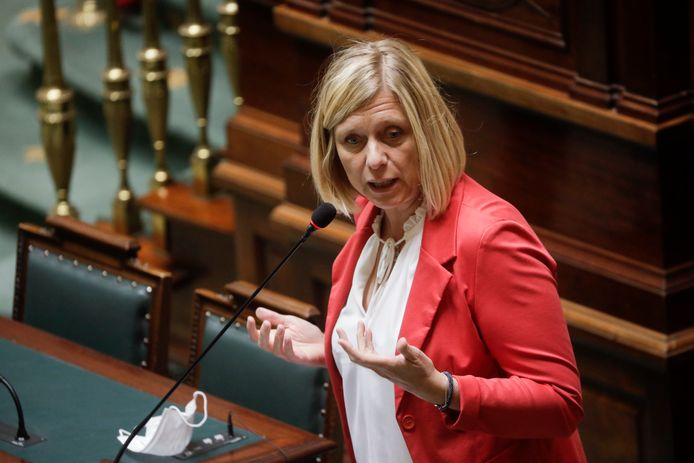 Kamervoorzitster Eliane Tillieux