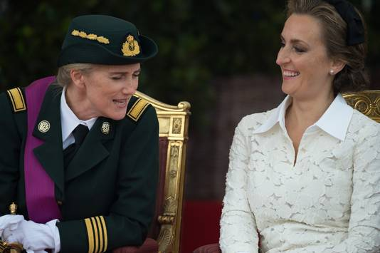 Ook prinses Claire (rechts) slaat een jaartje over. Echtgenoot prins Laurent is er wel bij.