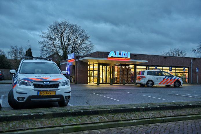 De Aldi zit nu nog aan de Bloemstraat. Hier gefotografeerd na een overval op de supermarkt vorig jaar.