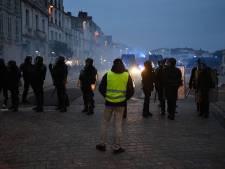 Un photographe de l'AFP la rotule fracturée par un tir policier