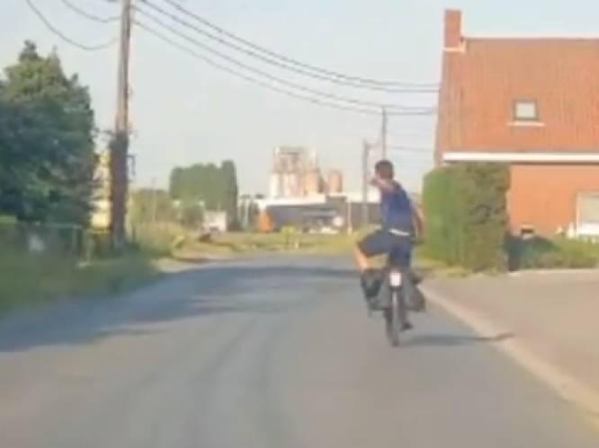 """Yves Lampaert trekt met gewone fiets naar huis na BK-zege: """"Wat doet een mens als hij net Belgisch kampioen tijdrijden is geworden?"""""""