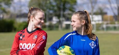 Ajax, PSV en FC Twente staan in de rij voor Betuwse voetbalmeiden Aniek en Veerle (15)