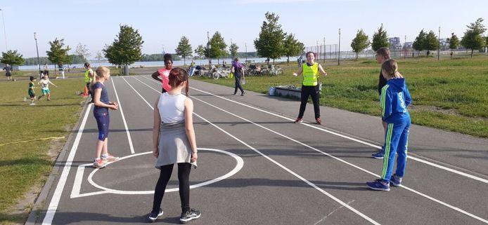 De atletiekbaan van Trackstars Nesselande aan de Zevenhuizerplas wordt uitgebreid.