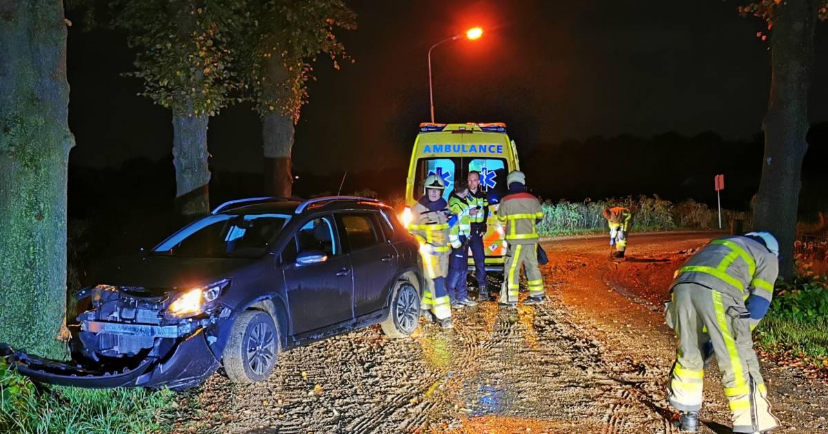 Nachtelijke ongevallen: over de kop op A12 en uit de bocht door modder op weg.