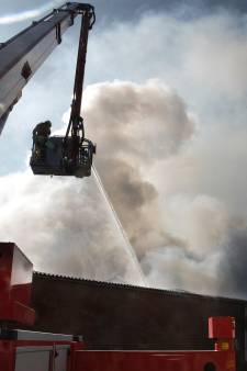 Zus zet doneeractie op nadat broer in Loo loods in vlammen op zag gaan
