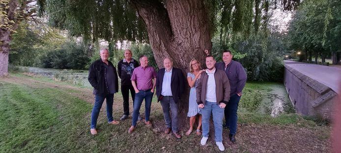 Een aantal van de leden van de nieuwe politieke partij Stem0167. Vlnr: Toon van der Wegen, Klaas Rozeboom, Luc Aben, Paul van Nieuwenhuyzen, Sonja Dekker, Jordi Rozeboom en Bas van Opdorp.