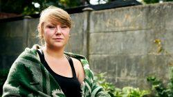 """Sarah zat van haar zevende tot haar vijftiende in instellingen: """"Voor het minste vlieg je naar de kussenkamer"""""""