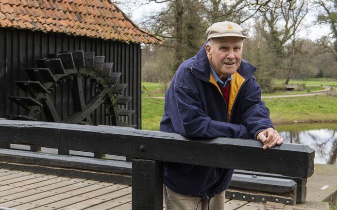 TT-2021-8728 - DELDEN - Martin Beumer heeft routes gemaakt die langs watermolens gaan in Twente.  Noordmolen (watermolen) Twickel  Fotobon-nummer: TT-2021-8728 EDITIE: AM FOTO: Frans Nikkels FN20210415