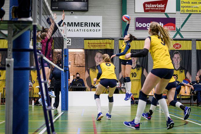 TT-2021-8307 OOTMARSUM -  Volleybal, degradatiepoule: Set-Up'65 - Eurosped. De vrouwen van Set-Up mogen dan wel weer spelen, maar hebben nog geen duel gewonnen.  EDITIE: SPORT FOTO: Emiel Muijderman EVM20210320