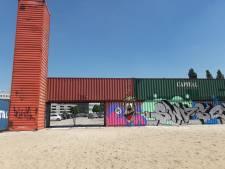 Zeecontainers blijven (voorlopig) staan bij stadsstrand in Den Bosch