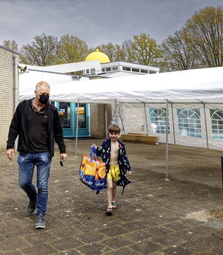 Kinderen hoeven bij zwembad Schijndel niet meer in regen te wachten