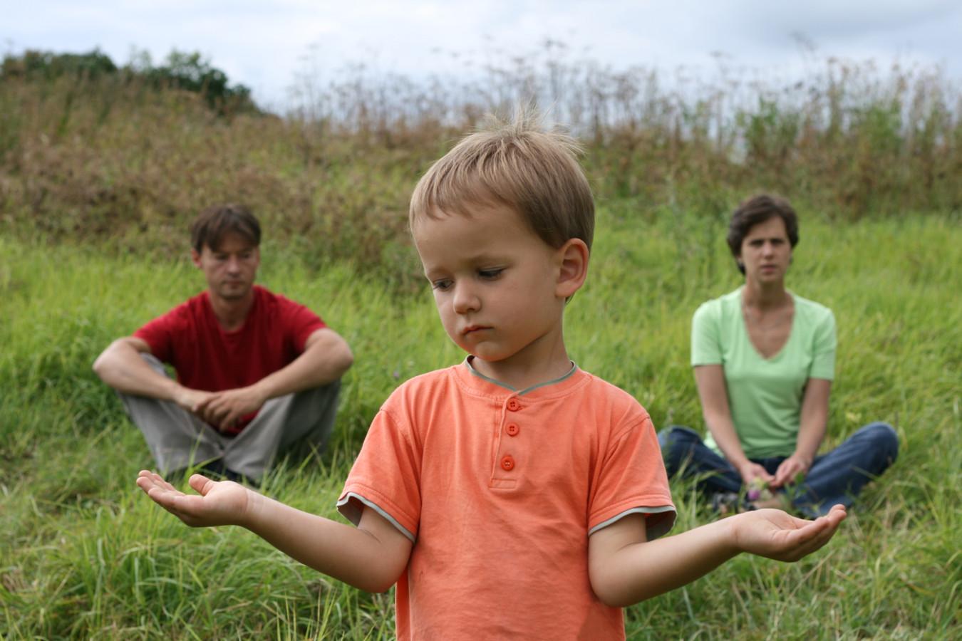 Kinderen die te maken krijgen met een scheiding hebben vaak het gevoel te moeten kiezen tussen hun vader en hun moeder.