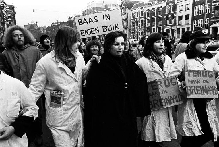 Protesterende vrouwen in 1976.  Beeld Hollandse Hoogte / Han Singels