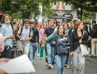 """Kortrijkse universiteit Kulak zit in coronadip(je): """"Studenten trekken massaal naar Leuven en Gent"""""""