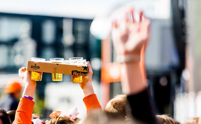 Wekelijks dronken in de kroeg hangen, is steeds minder oké, stelt trendwatcher Ammerlaan.