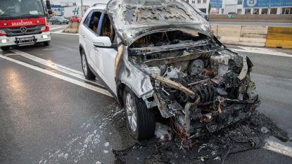 Gloednieuwe wagen brandt uit op A12