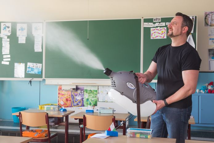 De firma BioOrg zorgt er met bio-aerosols voor dat virussen minder lang kunnen overleven op oppervlakten.