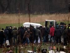 500 personnes assistent à l'enterrement de l'auteur présumé des attaques