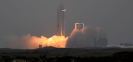 'Marsraket' van SpaceX maakt voor het eerst succesvolle landing na testvlucht