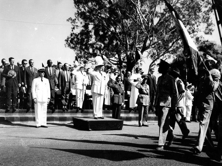 Op 21 juli 1961 trok de laatste keer een parade voor de Belgische nationale feestdag door Ruanda-Urundi.  Beeld Belga