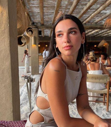 Dua Lipa s'offre le bikini tendance le plus mini de la saison