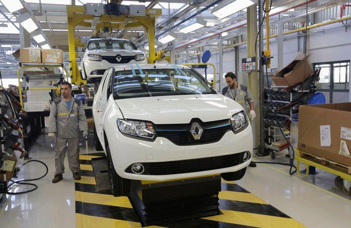 Werknemers van een Renaultfabriek in de Algerijnse stad Oran. Foto uit 2014.
