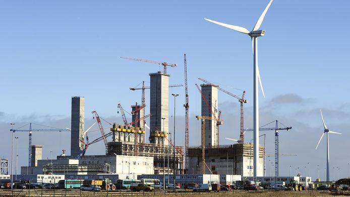 De kolencentrale van RWE/Essent in de Eemshaven in aanbouw, januari 2011