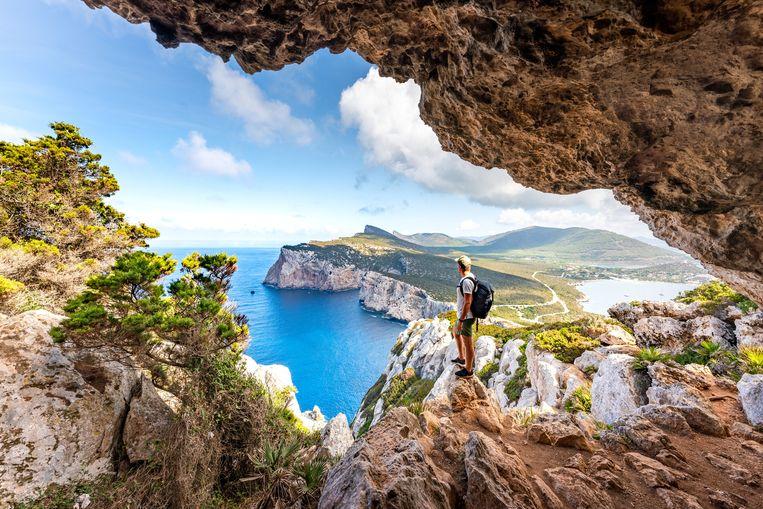 Ook het Italiaanse eiland Sardinië is vanaf vandaag een rode zone. Beeld Getty Images